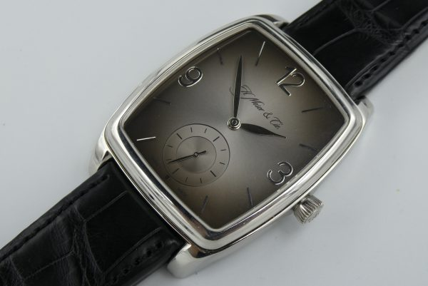 H.Moser Double Henry Power Reserve