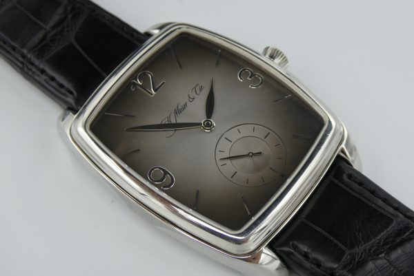 H.Moser Double Henry Power Reserve fume