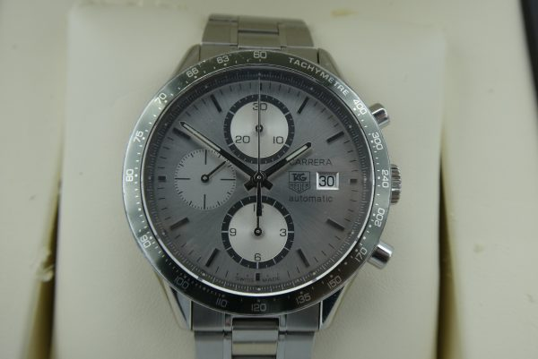 Pre-owned-Tag-Heuer-CV2011